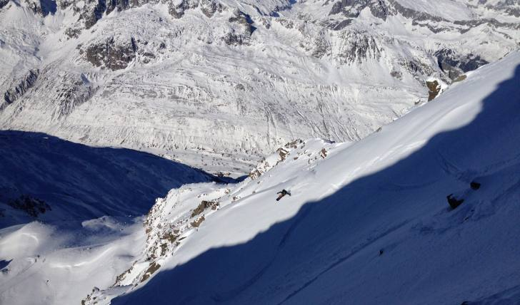 Freeride, andermatt, snowreport, powder, gemsstock, couloir